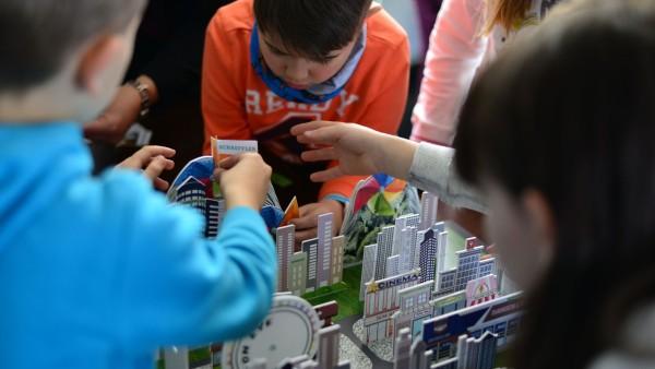 Super-specialiști și super-copii, față în față la Schaeffler România