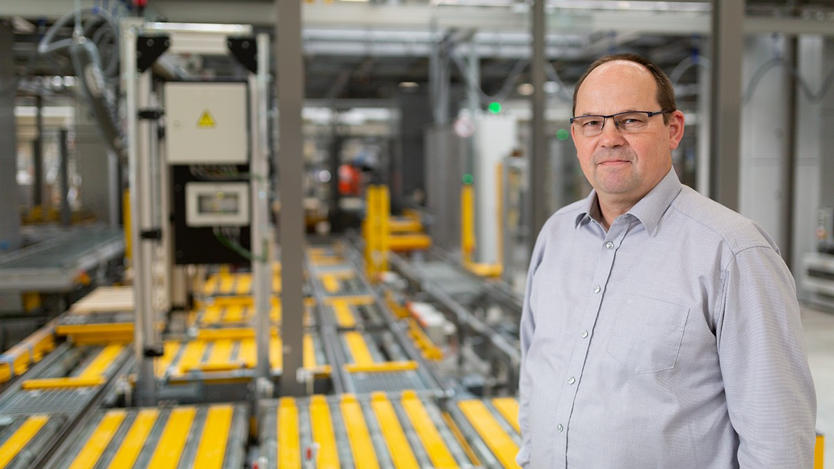 Egon Grief, Manager Mentenanță la CED (Centrul European de Distribuție) Schaeffler