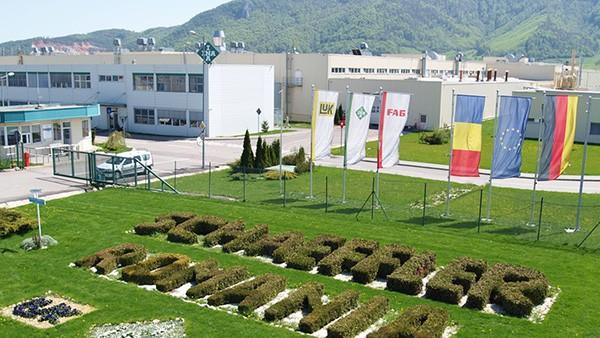Inaugurare Fabrica Schaeffler Începe producţia în hala III cu un număr de 1.200 de angajaţi